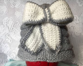 Knitted bow hat