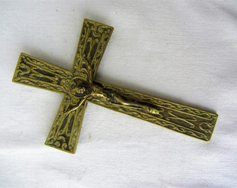 Old crucifix in solid bronze engraved - 20939