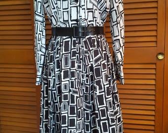 Vintage Serbin Black-and-White Abstract Print Shirtwaist Dress, Size 10-12