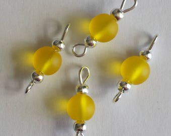 5 connectors 6mm Frosted Yellow glass beads