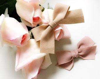 Blush Bow set