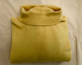 Vintage Soft Yellow Cashmere Turtleneck Sweater by Lord & Taylor Size L