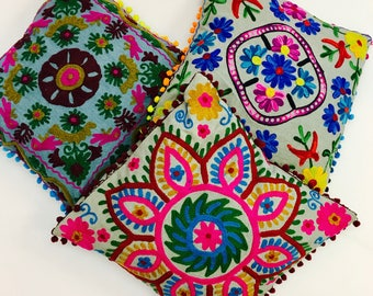 Pillow covers Bohemian embroidered on linen with pompoms, colorful, 40 X 40, embroidered, pillow covers cushion covers, cushions covers in linen, boho