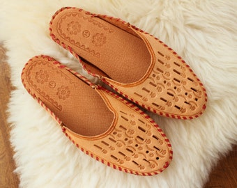 Men LEATHER Slippers real leather moccasin boots genuine leather shoes summer slippers  handmade New natural slipper gift for men brown boot