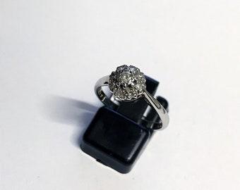 18ct White Gold/Plat Diamond Cluster Ring
