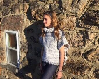 Girls chunky turtleneck sweater. Size 6-8