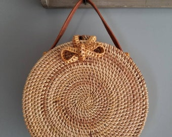 Round hand bag with single strap / Handmade Rattan Bag / Beach round rattan purse / Boho chic Straw Style / bow bag / Hand bag