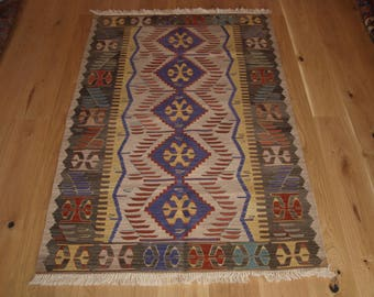 Beautiful Handmade Turkish Kilim, 170 x 114cm, Made With Hand Spun Wool & Natural Dyes