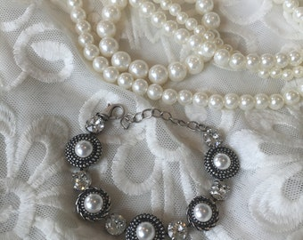Pearl and clear Swarovski crystal bracelet
