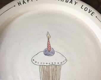 Happy birthday Plate with cupcake
