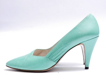 Size 8M// Sea Green Leather Pumps //  Green Leather High Heel Pointed Toe Shoes// 112