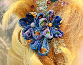 Pince à cheveux d'inspiration japonaise en tissu traditionnel aux tons bleus