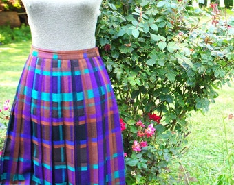 Mod vintage 80s, multicolor, plaid, pleated, wool, long skirt. Made by Christian Dior. Size 10.