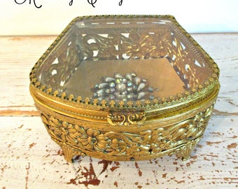 GoRGeouS ViNTaGe FiLiGRee RePouSSe JeWeLRY BoX with BeVeLeD GLaSS
