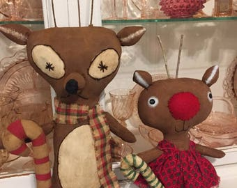 ROBIN~&~ROCKO~REINDEER~pAIR~cHRISTMAS~dECOR~cUTE~aS~cOULD~bE~hANDMADE~dOLLS~rEADY~tO~hANG~oR~nOT~uNIQUE~oRIGINAL~gREAT~lIGHT~sCENT~