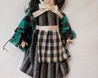 "Porcelain Doll - Wales National Dress - 10"""