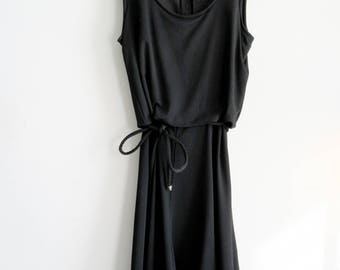 Vintage 1970s Sleeveless Black Dress Juniors Size 13 Johnathan Logan