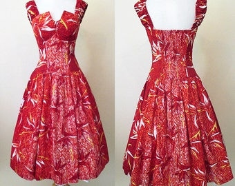 "Charming 1950's Hawaiian Sundress Summer party dress with ""tulip"" bodice TIKI pinup girl rockabilly VLV size Small"