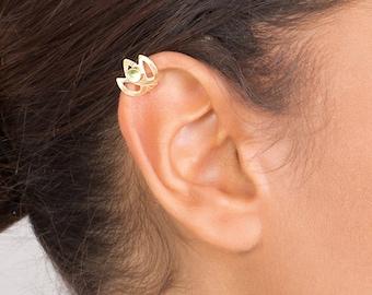 Gold Ear Cuff with Peridot -  with Gemstone , ear cuff no piercing , celtic ear cuff , celtic ear cuff , celtic jewelry , elven ear cuff