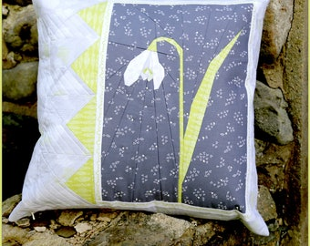 "Snowdrop 20"" Paper Pieced Pillow or Mini Quilt Pattern"