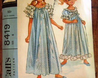 Vintage 1960s Girls Robe and Nightgown with Short Raglan Sleeves and Eyelet Edging Size 6 McCalls Pattern 8419