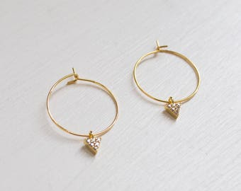 the Kate -earrings (small halo hoop earrings with triangle cubic zirconia charm minimal every day 16k gold plated)