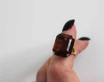 Vintage 1970s Topaz Ring By Avon / Faux Topaz Emerald Cut / Root Beer Brown Topaz / Size 6 to 6.5 /  Vintage Jewelry / Gold Tone