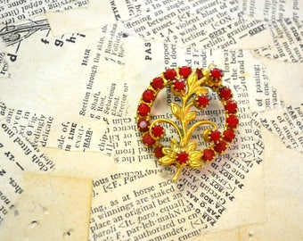 1950s Red Rhinestone Circle Brooch