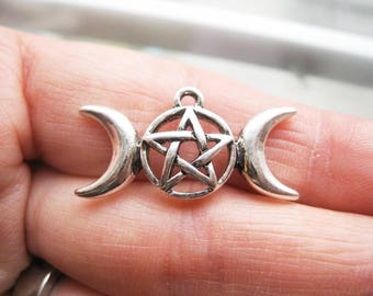5 Triple Moon Pentagram Charms in Silver Tone - C2622