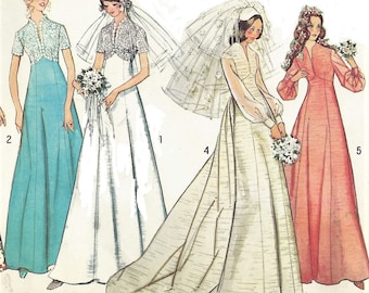 1970s Womens Wedding Dress Detachable Train & Bridesmaid Gown Fit and Flare Gown Simplicity Sewing Pattern 6160 Size 12 Bust 34 FF
