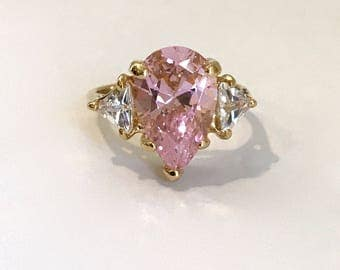 Vintage Gold Vermeil Pink Sapphire 3 Stone Ring Estate Ring Pink Stone Ring Pear Ring Multi Stone Engagement Ring Right Hand Ring Pink Ring