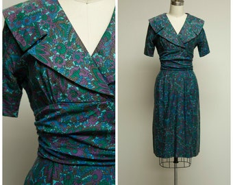 Vintage 1950s Dress • Nobody Else • Bold Purple Green Floral Cotton 50s Sheath Dress with Portrait Collar Size Small