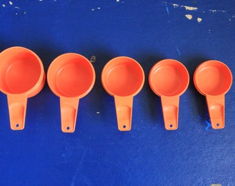 Vintage 1970s Orange Tupperware Stackable Measuring Cups Lot of 5 Mod / Retro Kitchen and Cooking Utensils