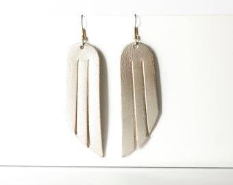 Leather Earrings / Fringe / Platinum Metallic