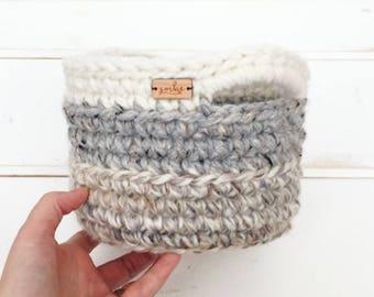 Farmhouse Decor / Crochet Basket with Handles / Winter Decor / Christmas Gift for Her / Gift Basket / Storage Basket / Home Decor