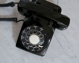 black rotary Bell Systems telephone