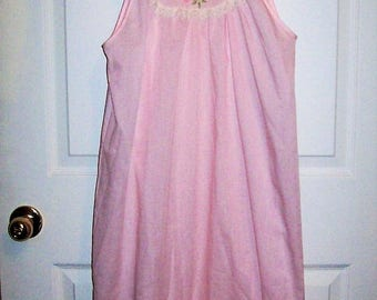 Vintage Ladies Pink Nightgown w/ White Lace Trim by Gilead Medium Only 8 USD
