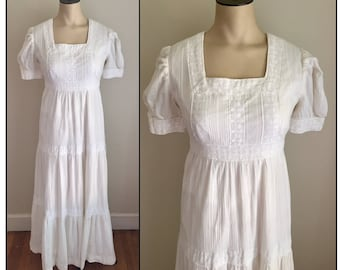 Vintage 1970s Misses' Off-White Short Sleeve Boho Maxi Dress XS 0 2