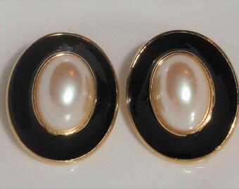 Monet Oval Gold Tone Black Enamel Simulated Pearl Cabochon Pierced Designer Signed Earrings