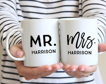Wedding Gift, Personalized Wedding Gift, Mr and Mrs Mugs, Custom Mr and Mrs Mugs, Couples Mugs, Newlywed Gift, Couples Gift, Wedding present