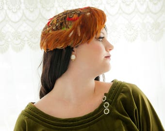 Vintage 1950s feathers hat, orange green brown red autumn colors, formal prom pin-up headpiece casque