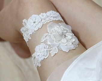 Ivory lace garter set, rustic wedding garter set, bridal garter set, wedding garter belt, lace garter set, ivory garters