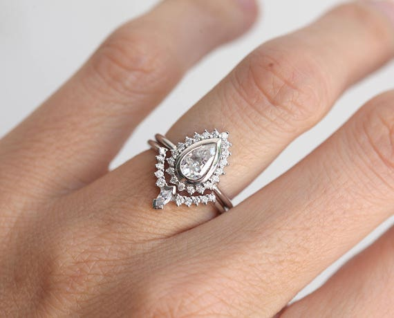 Pear Diamond Ring Set Art Deco