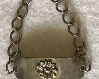 Vintage Girls Silver Tone Daisy Flower Metal Link Bracelet