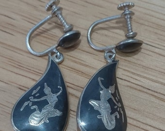 Vintage sterling silver Siam screw back earrings