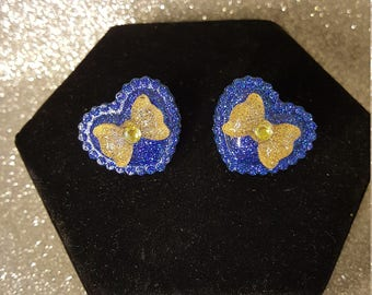 Retro Heart  Post Earrings Blue with Gold Bows