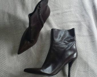 Nine west dark brown leather pointy toe ankle boots 7 m