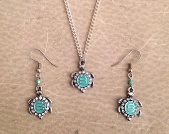 Sea Turtle Jewelry Set / Seafoam Green  and Silver / Ocean & Beach Jewelry / Necklace and Earring Set / Jewelry Gift Set