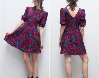 1980s LANZ Originals Dark Floral Skater Dress //  Low Back Fit-n-Flare Mini Dress w Pockets & Puffed Sleeves sz S / 4 / 6