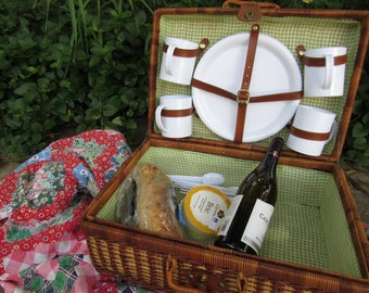 Vintage Oversized Wicker Picnic Basket Vintage Wicker Basket Vintage Picnic Basket